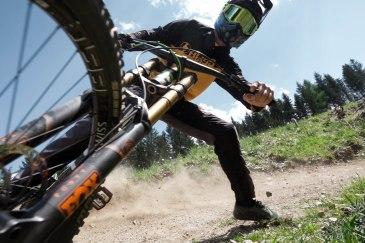 severinwegenerphoto-mtb-downhill-bikeparktirol-andi-bike-summer