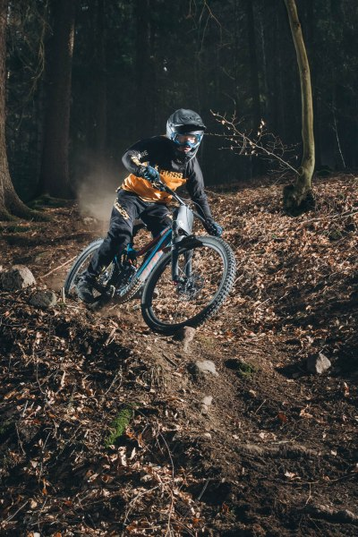 severinwegenerphoto-mtb-downhill-bozen_kohlern-bliss_protection-max-bike-summer