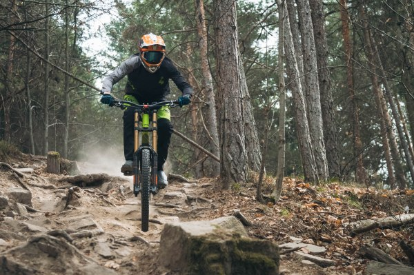 severinwegenerphoto-mtb-downhill-bozen_kohlern-cube-willi-bike-summer