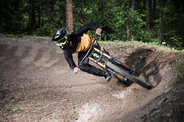 severinwegenerphoto-mtb-downhill-leogang-andi-bike-summer