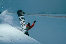 severinwegenerphoto-snow-kuehtai-thomas-pipe-winter-head_snowboards