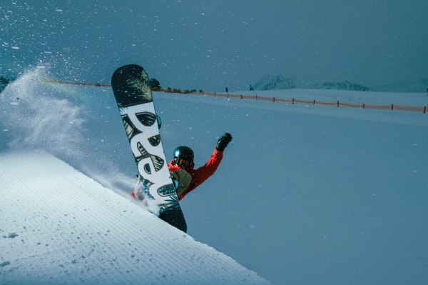 severinwegenerphoto-snow-kuehtai-thomas-pipe-winter-head_snowboards