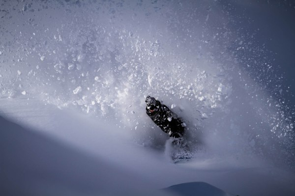 severinwegenerphoto-snow-pitztal-philip-spray-amplid-katalogue-shoot-winter